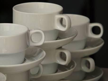 Чашите за кафе са неизменна част колекцията от съдове на всяко домакинство.